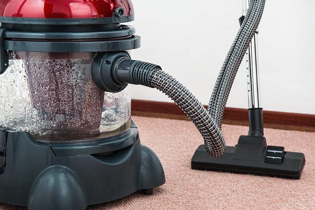 שואב אבק ושטיח